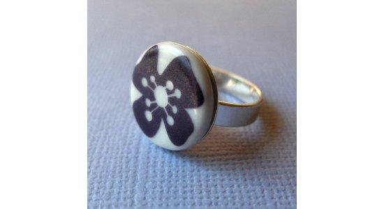 Casalinga sølvring med lilla blomst