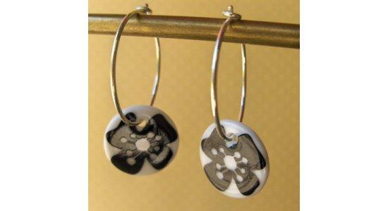 Creoler øreringe med sort blomst, Casalinga