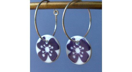 Creoler øreringe med lilla blomst, Casalinga