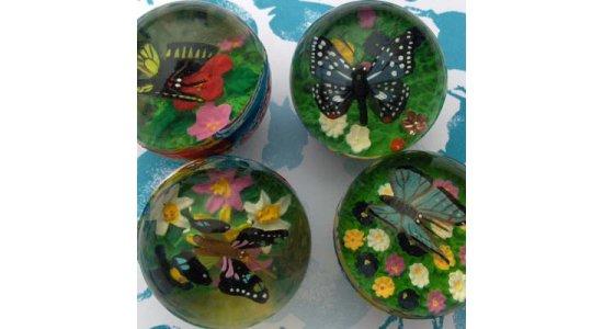 Hoppebold med 3D sommerfugl og blomst indeni